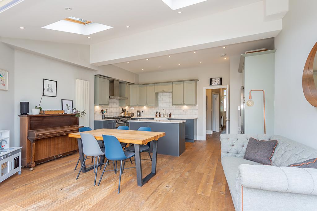 Kitchen/Family Room 3