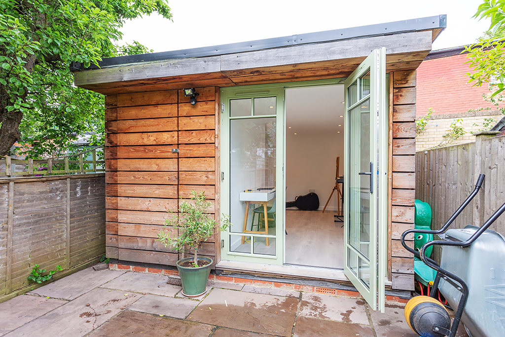 Outbuilding Office 1